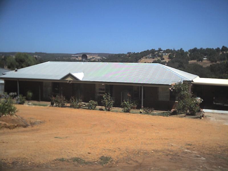 12 Campbells Road Kangaroo Gully WA 6255