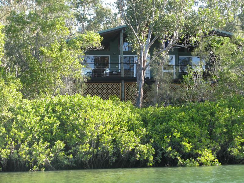 16 Jacqueline Drive Pacific Haven QLD 4659