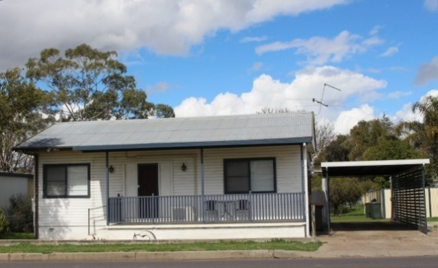 4 Scott Road Tamworth NSW 2340