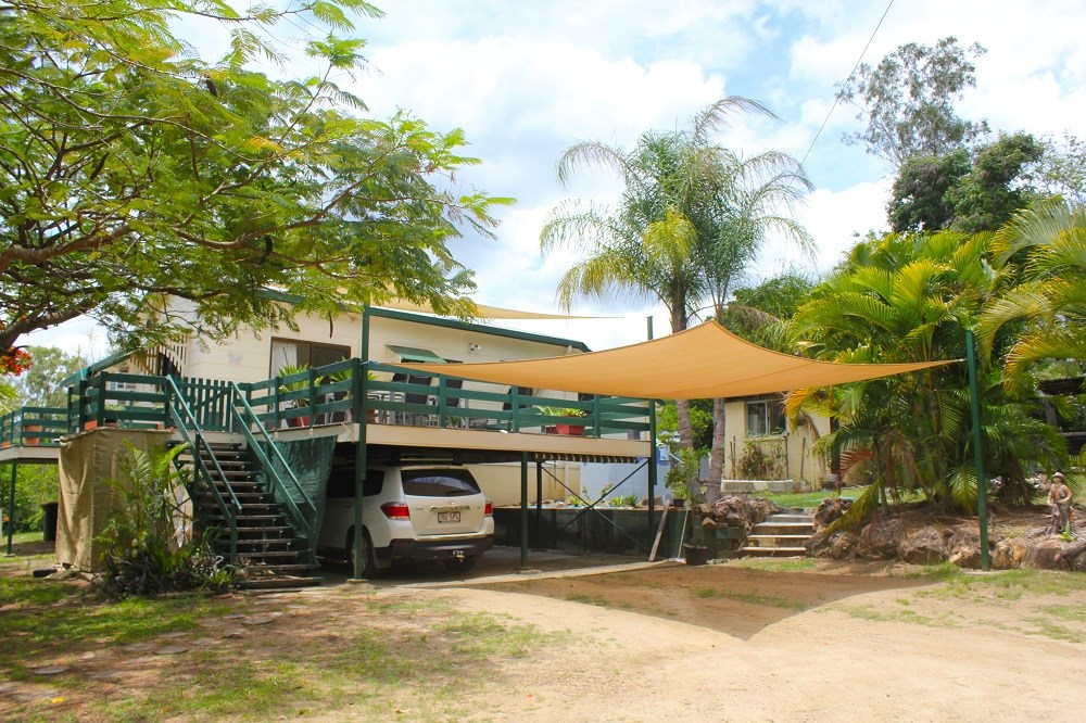 7 Cemetery Rd Cawarral QLD 4702